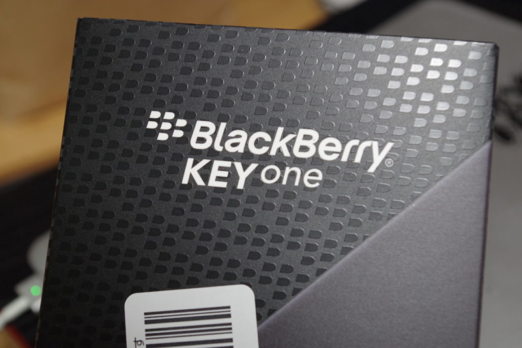 reviwe BlackberryKeyOne2 1024x683-「BlackBerry KEYone Black Edition」を購入したので遅まきながら開封&レビューしてみる。
