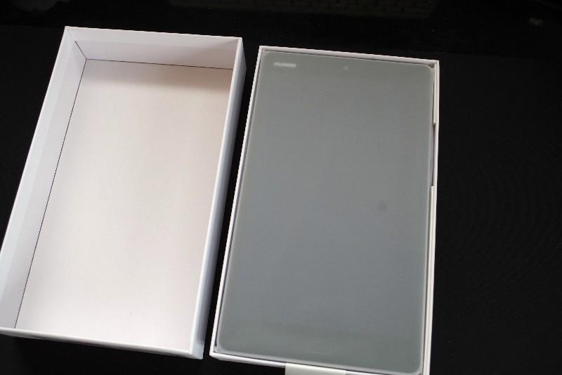 IMGP4611-ファーウェイの8インチタブレット「MediaPad M3 Lite」のLTE版を購入したのでスペック紹介とレビュー