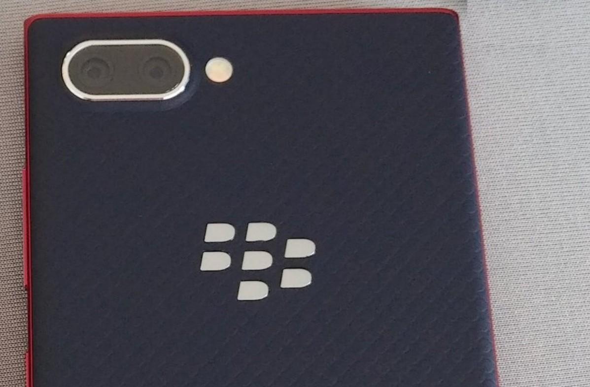 blackberry key2 le-KEY2の廉価版「Blackberry KEY2 LE」のスペックなどが少しずつ出てきたようです。
