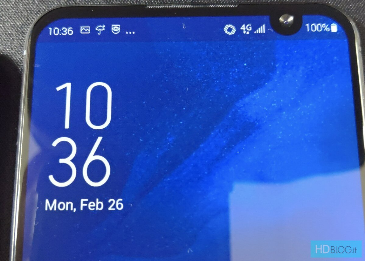 ASUS ZenFone 6 Leak image-ノッチの位置が違う?「ASUS ZenFone 6」のプロトタイプ画像がリークされました。